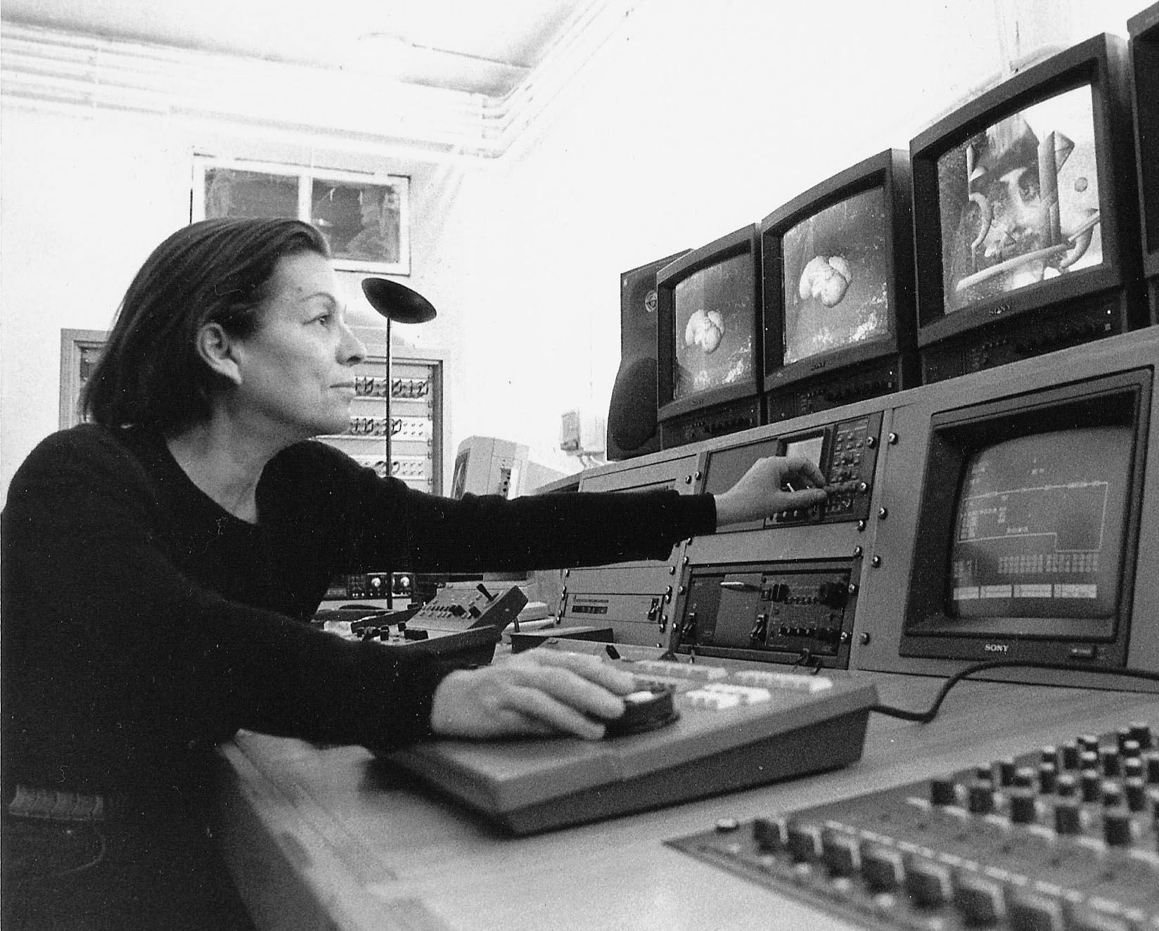 Nil Yalter, um 1988, Foto: Archiv der Künstlerin